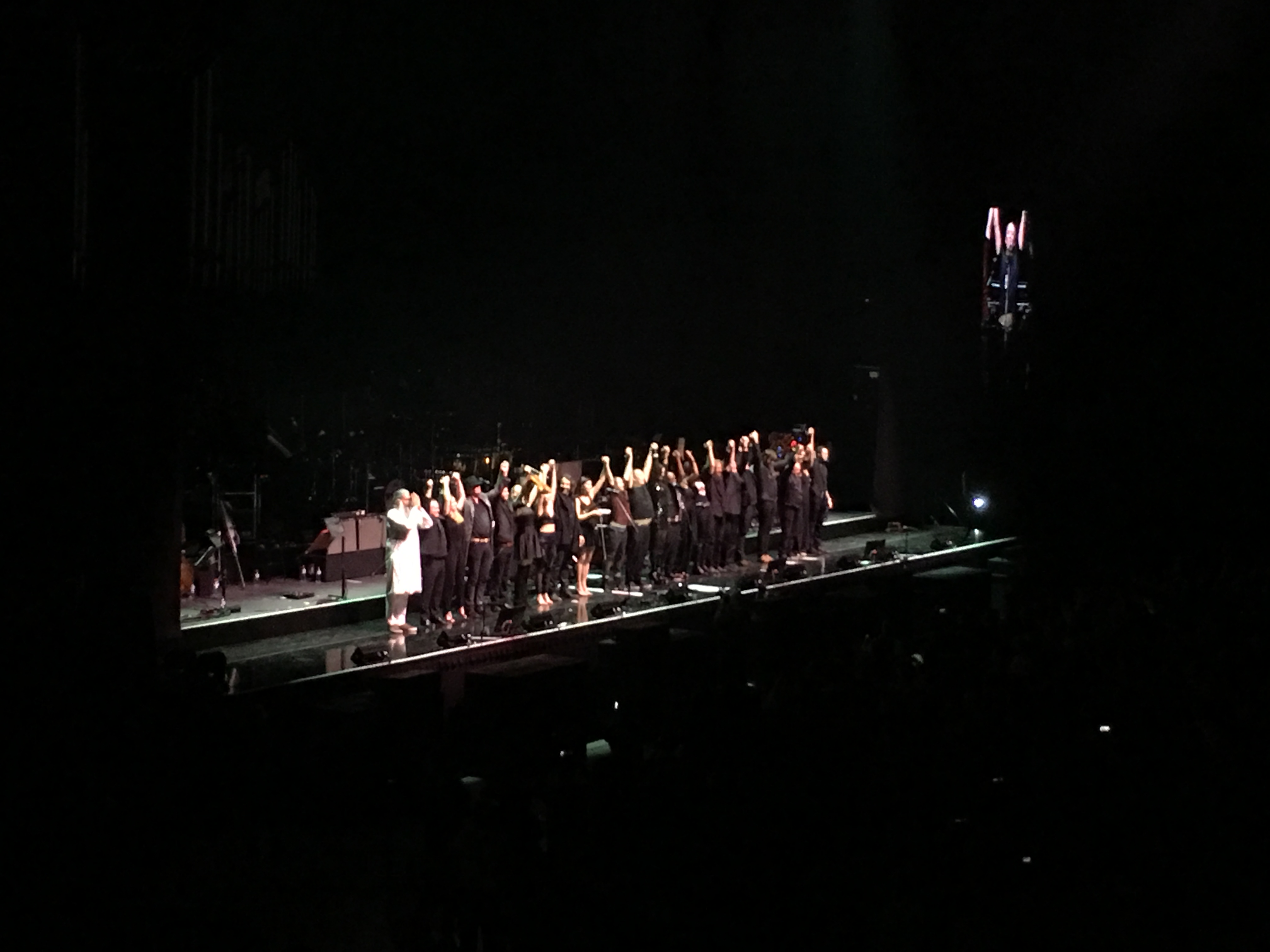 The cast saying thanks