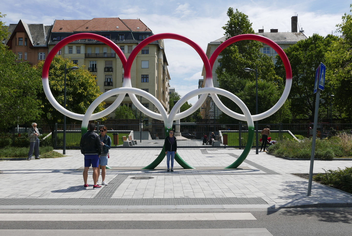 Olympic rings in hungarian colors